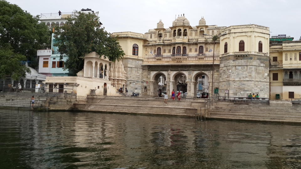 More palaces and bathing ghats along the lakeshore...