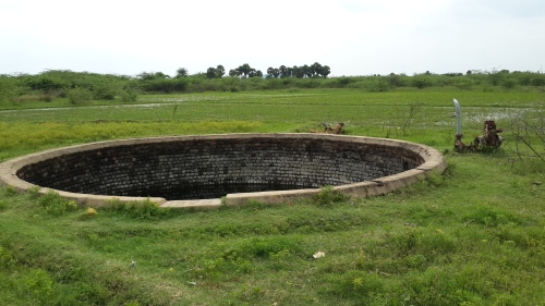 Water wells and green fields: the surrounding countryside